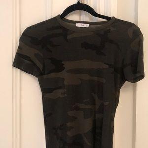Camo short sleeve top